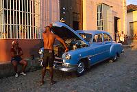 Cuba, Trinidad de Cuba, Patrimoine mondial de l'UNESCO, Vielle voiture americaine // Cuba, Trinidad de Cuba, Unesco world heritage, Old American car