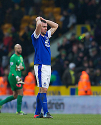 23.02.2013, Carrow Road, Norwich, ENG, Premier League, Norwich City vs FC Everton, 27. Runde, im Bild Everton's Darron Gibson looks dejected as Norwich City score an injury time winning goal during the English Premier League 27th round match between Norwich City FC and Everton FC at Carrow Road, Norwich, Great Britain on 2013/02/23. EXPA Pictures © 2013, PhotoCredit: EXPA/ Propagandaphoto/ David Rawcliffe..***** ATTENTION - OUT OF ENG, GBR, UK *****