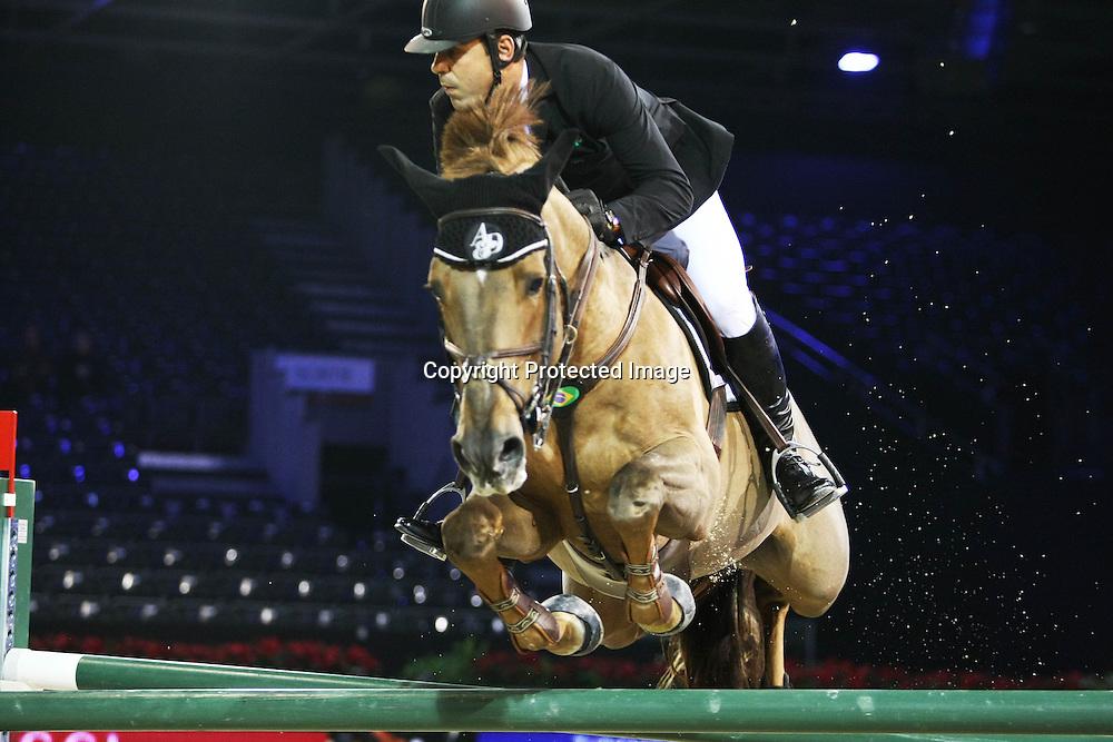 Equitation : Gucci Masters - 03.12.2010 - Rolex Speed Challenge CSI5 - Alvaro De Miranda Neto (BRE/ sur AD Norson) *** Local Caption *** 00042820