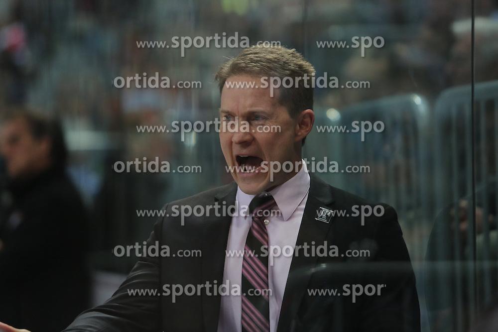 16.12.2016, SAP Arena, Mannheim, GER, DEL, Adler Mannheim vs Koelner Haie, 28. Runde, im Bild Cory Clouston (Coach/Koelner Haie) // during the German DEL Icehockey League 28th round match between Adler Mannheim and Koelner Haie at the SAP Arena in Mannheim, Germany on 2016/12/16. EXPA Pictures &copy; 2016, PhotoCredit: EXPA/ Eibner-Pressefoto/ Bermel<br /> <br /> *****ATTENTION - OUT of GER*****