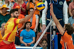 09-06-2019 NED: Golden League Netherlands - Spain, Koog aan de Zaan<br /> Fourth match poule B - The Dutch beat Spain again in five sets in the European Golden League / Juan Manuel Gonzalez #16 of Spain, Wessel Keemink #2 of Netherlands