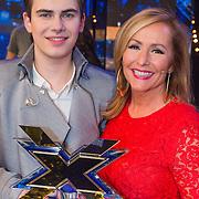 NLD/Hilversum/20130706 - Finale X-Factor 2013, winnaar Haris Alagic met coach Angela Groothuizen