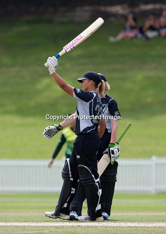 Sydney-March 19: Suzie Bates celebrates her century and is congratulated by  Haidee Tiffen during the match between New Zealand and Pakistan in the Super 6 stage of the ICC Women's World Cup Cricket tournament at Drummoyne Oval, Sydney, Australia on March 19, 2009 New Zealand made 373 for 7. Photo by Tim Clayton.