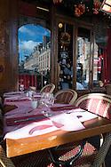 France. Paris. Le marais. 4th district. Le marais , place des Vosges , restaurant terrace under the arcades, Ma bourgogne restaurant