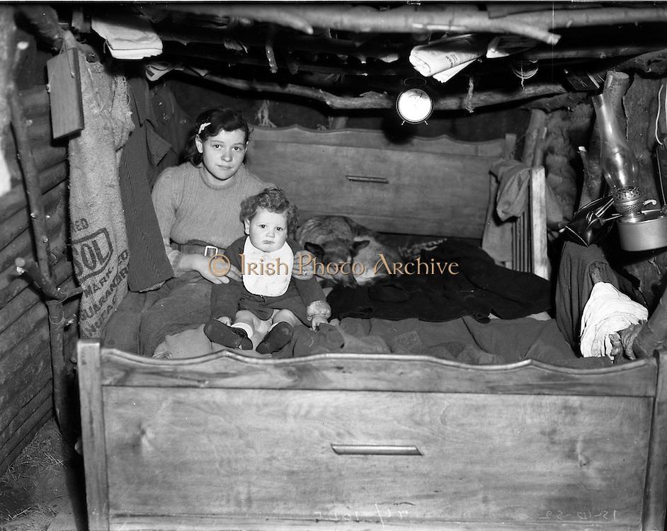 15/10/1952<br /> 10/15/1952<br /> 15 October 1952<br /> P. O'Sullivan, wife and child, Clondalkin, Dublin.