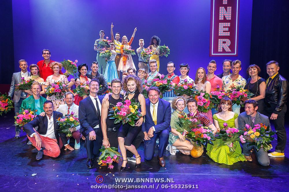 NLD/Tilburg/20150913 - Premiere musical Grease, castfoto