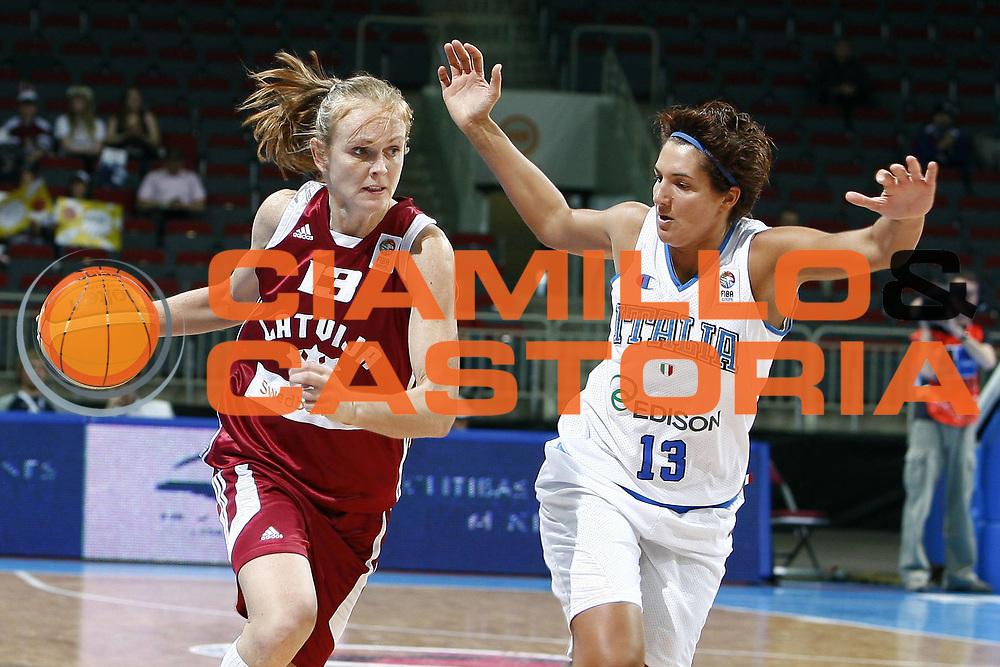 DESCRIZIONE : Riga Latvia Lettonia Eurobasket Women 2009 Semifinal 5th-8th Place Italia Lettonia Italy Latvia<br /> GIOCATORE : Ieva Tare<br /> SQUADRA : Lettonia Latvia<br /> EVENTO : Eurobasket Women 2009 Campionati Europei Donne 2009 <br /> GARA : Italia Lettonia Italy Latvia<br /> DATA : 19/06/2009 <br /> CATEGORIA : palleggio<br /> SPORT : Pallacanestro <br /> AUTORE : Agenzia Ciamillo-Castoria/E.Castoria