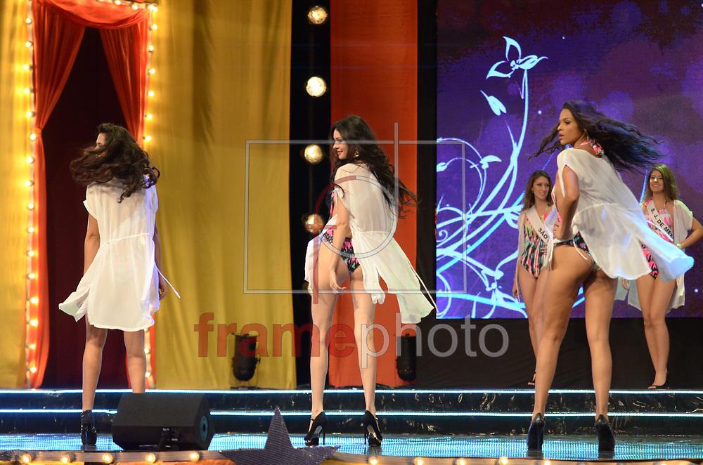 Rio de Janeiro (RJ), 30/08/2014 - Acontece na noite deste sábado (30) na cidade do samba o concurso Miss Universo Rio de Janeiro 2014, entre 18 candidatas que foram selecionadas para a grande final que elege a mulher mais bonita da cidade maravilhosa, desfilando em traje de gala e de banho. A Miss Hosana Elioti, foi eleita a Miss Rio de Janeiro 2014. Foto: ADRIANO ISHIBASHI/FRAME