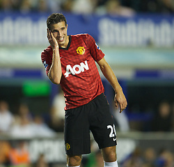 LIVERPOOL, ENGLAND - Monday, August 20, 2012: Manchester United's Robin van Persie looks dejected as his side lose 1-0 to Everton during the Premiership match at Goodison Park. (Pic by David Rawcliffe/Propaganda)