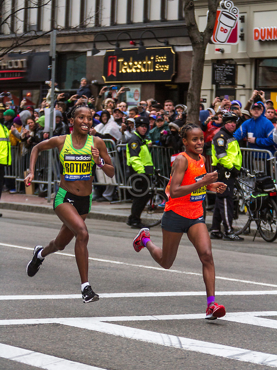 Boston Marathon: Caroline Rotich battles Mare Dibaba with 200 meters to go, Rotich wins