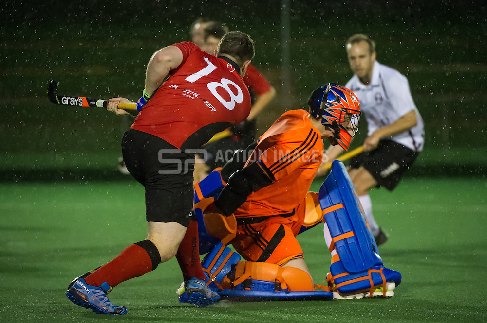 Southgate v Wapping - Men's Hockey League - Conference East, Trent Park, London, UK on 15 October 2016. Photo: Simon Parker