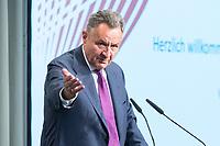 09 MAY 2019, BERLIN/GERMANY:<br /> Dr. Michael Frenzel, Praesident des Wirtschaftsforums der SPD, haelt eine Rede, Wirtschaftskonferenz und Parlementarischer Abend, Wirtschaftsforum der SPD, Kalkscheune<br /> IMAGE: 20190509-01-221