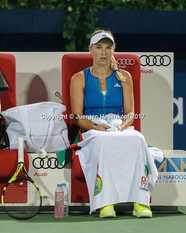 CAROLINE WOZNIACKI (DEN) sitzt auf der Bank waehrend Spielpause, nachdenklich,<br /> <br /> Tennis - Dubai Tennis Championships 2017 -  WTA -  Dubai Duty Free Tennis Stadium - Dubai  -  - United Arab Emirates  - 24 February 2017.