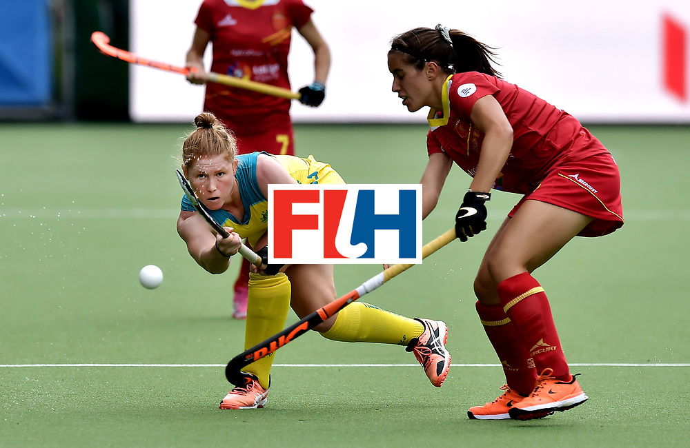 BRUSSELS, BELGIUM - JUNE 25: Georgia Nanscawen (L) of Australia and Clara Ycart (R) of Spain during the FINTRO Women's Hockey World League Semi-Final Pool B game between Australia and Spain on June 25, 2017 in Brussels, Belgium. (Photo by Charles McQuillan/Getty Images for FIH)