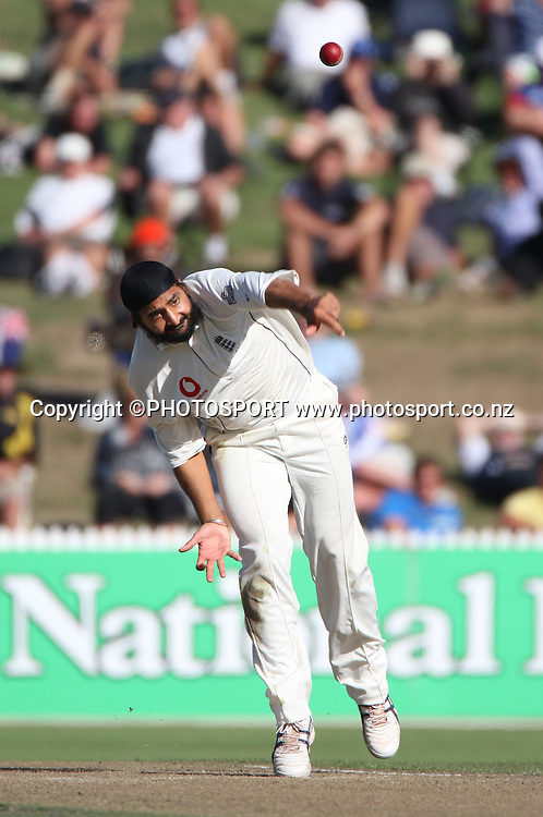 England bowler Monty Panesar.<br />National Bank Test Match Series, New Zealand v England, 1st Test at Seddon Park, Hamilton, New Zealand. Wednesday 5 March 2008. At the end of play on day 1 New Zealand are 282/6. Photo: Andrew Cornaga/PHOTOSPORT