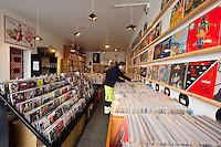 Hljómplötubúðin Lucky Records, Hverfisgötu 82. Lucky Records Record Store, Hverfisgata 82, Reykjavik.