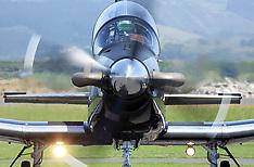 Tauranga-RNZAF Black Falcons aerobatic team arrive for city airshow