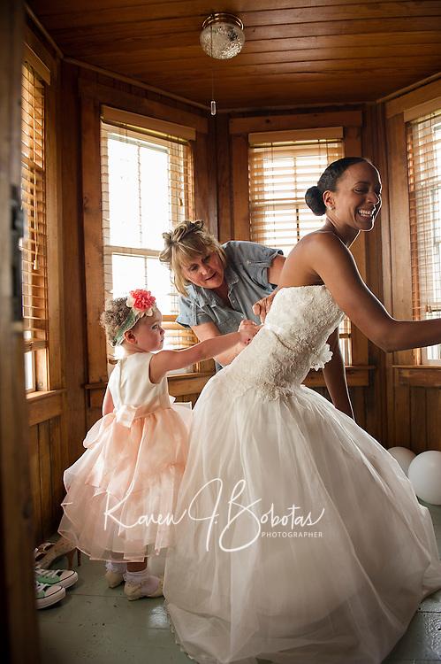 Jen and Tony's Wedding Day.  Getting Ready.  York, Maine.  ©2015 Karen Bobotas Photographer