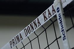 29-10-2014 NED: Selectie Prima Donna Kaas Huizen vrouwen, Huizen<br /> Selectie seizoen 2014-2015 / Item volleybal net PDK