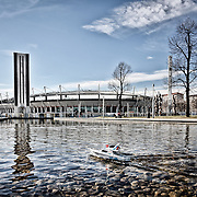 Ad otto anni dai fasti delle Olimpiadi invernali di Torinno 2006. Specchio d'acqua davanti allo stadio Olimpico.