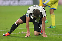 19.11.2016 - Torino - Serie A 2016/17 - 13a giornata  -  Juventus-Pescara nella  foto: l'infortunio di Gonzalo Higuain - Juventus