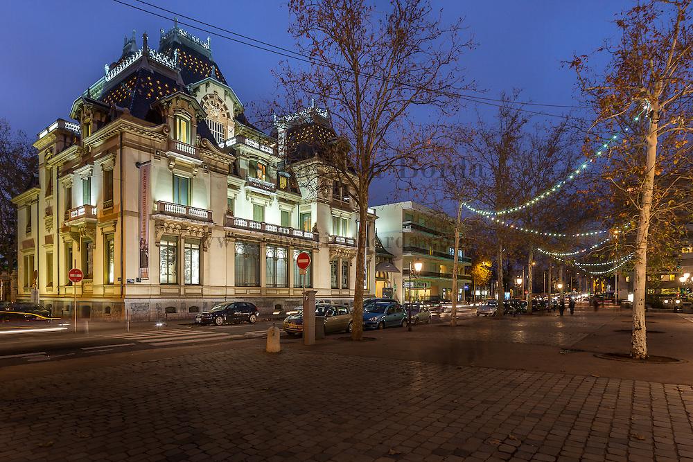 Musée de l'Institut Lumière de nuit // Night view of Lumière Institute