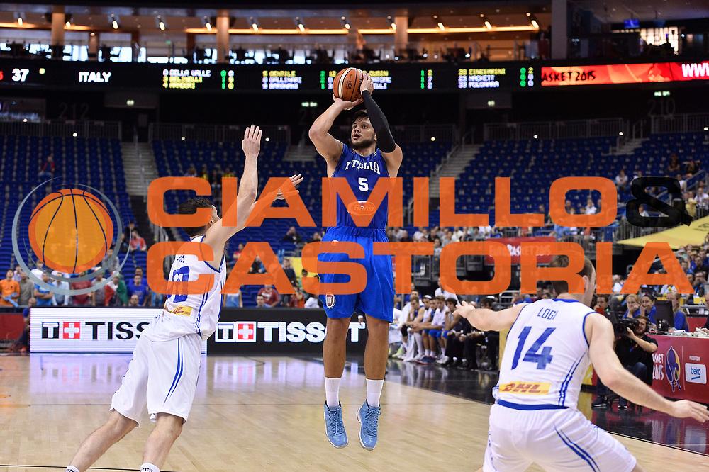 DESCRIZIONE : Berlino Berlin Eurobasket 2015 Group B Iceland Italy<br /> GIOCATORE : Alessandro Gentile<br /> CATEGORIA : tiro three points<br /> SQUADRA : Iceland Italy<br /> EVENTO : Eurobasket 2015 Group B<br /> GARA : Iceland Italy<br /> DATA : 06/09/2015<br /> SPORT : Pallacanestro<br /> AUTORE : Agenzia Ciamillo-Castoria/Giulio Ciamillo<br /> Galleria : Eurobasket 2015<br /> Fotonotizia : Berlino Berlin Eurobasket 2015 Group B Iceland Italy