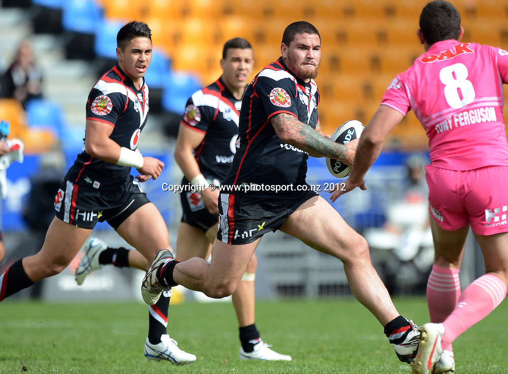 Russell Packer during the NRL Rugby League match, Vodafone Warriors v Penrith Panthers at Mt Smart Stadium, Auckland, New Zealand on Sunday 19 August 2012. Photo: Andrew Cornaga/photosport.co.nz