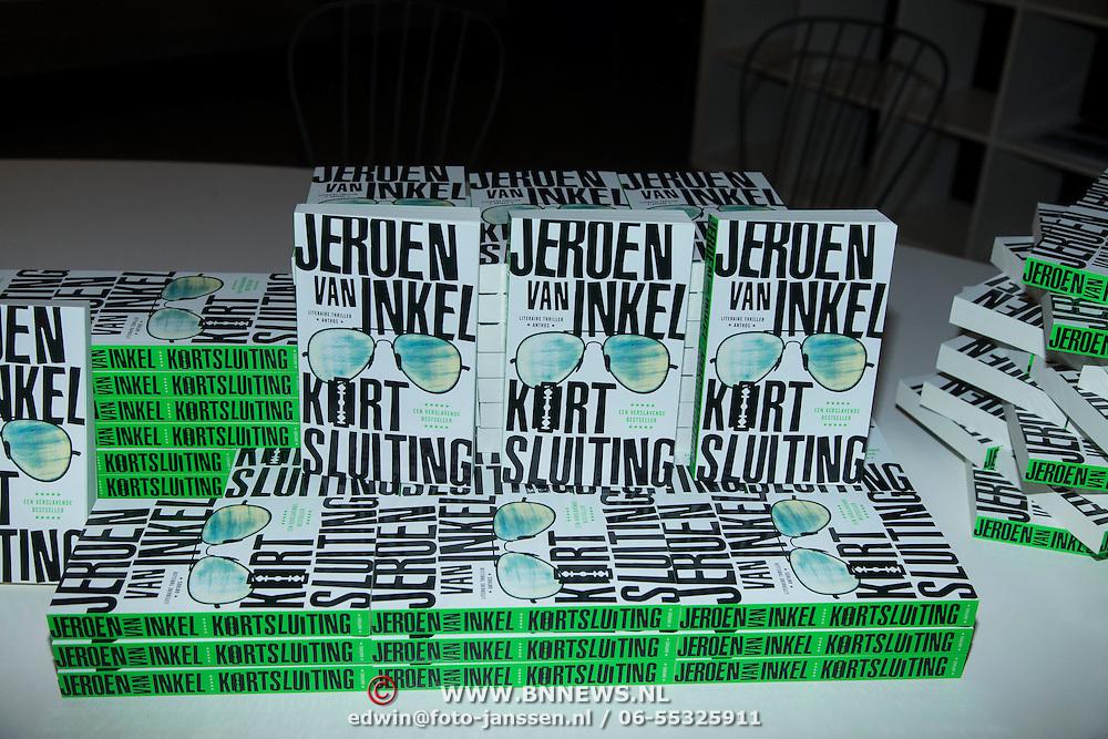 NLD/Amsterdam/20140227 - Boekpresentatie Jeroen van Inkel - Kort Sluiting , Stapel boeken
