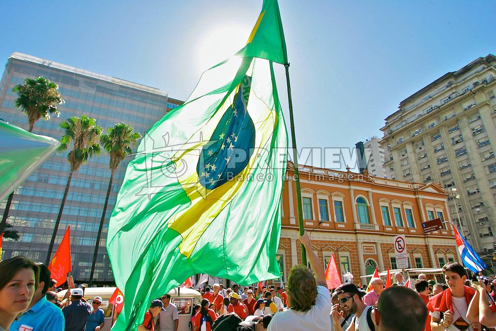 A Caminhada pela Paz, atividade que marca a abertura oficial do V Fórum Social Mundial reuniu cerca de 50 mil participantes. FOTO: Jefferson Bernardes/Preview.com