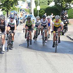 04-09-2016: Wielrennen: Ladies Tour: Valkenburg<br />VALKENBURG (NED) wielrennen  <br />Kopgroep met in het geel Roxane Kneteman, Amy Pieters, Amalisiuk en wereldkampioene Lizzy Armitstead