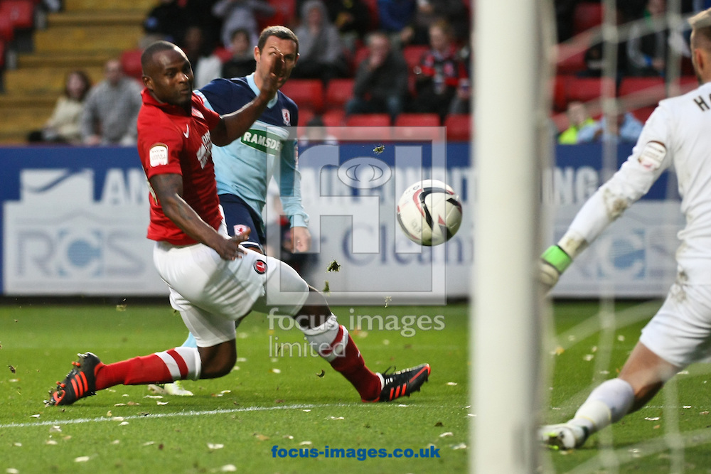 Picture by David Horn/Focus Images Ltd +44 7545 970036.03/11/2012.Leon Cort of Charlton Athletic is unable to prevent Scott McDonald of Middlesbrough during the npower Championship match at The Valley, London.