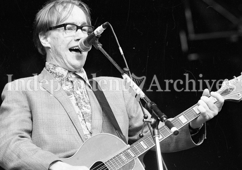 Teenage Fanclub on stage at the Feile Festival in Thurles, Tipperary, 30/07/1993 (Part of the Independent Newspapers Ireland/NLI Collection).