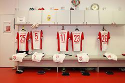 08.11.2014, SGL Arena, Augsburg, GER, 1. FBL, FC Augsburg vs SC Paderborn 07, 11. Runde, im Bild Kabine, FC Augsburg, Trikot, l-r: Raul Bobadilla #25 (FC Augsburg), Ragnar Klavan #5 (FC Augsburg), Alexander Esswein #11 (FC Augsburg), Tim Matavz #23 (FC Augsburg), Erik Thommy #26 (FC Augsburg), // during the German Bundesliga 11th round match between FC Augsburg and SC Paderborn 07 at the SGL Arena in Augsburg, Germany on 2014/11/08. EXPA Pictures © 2014, PhotoCredit: EXPA/ Eibner-Pressefoto/ Kolbert<br /> <br /> *****ATTENTION - OUT of GER*****