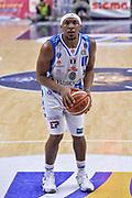 DESCRIZIONE : Beko Legabasket Serie A 2015- 2016 Dinamo Banco di Sardegna Sassari - Sidigas Scandone Avellino<br /> GIOCATORE : Josh Akognon<br /> CATEGORIA : Tiro Libero<br /> SQUADRA : Dinamo Banco di Sardegna Sassari<br /> EVENTO : Beko Legabasket Serie A 2015-2016<br /> GARA : Dinamo Banco di Sardegna Sassari - Sidigas Scandone Avellino<br /> DATA : 28/02/2016<br /> SPORT : Pallacanestro <br /> AUTORE : Agenzia Ciamillo-Castoria/L.Canu