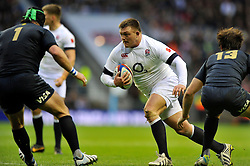 David Wilson (England) goes on the charge - Photo mandatory by-line: Patrick Khachfe/JMP - Tel: Mobile: 07966 386802 09/11/2013 - SPORT - RUGBY UNION -  Twickenham Stadium, London - England v Argentina - QBE Autumn Internationals.