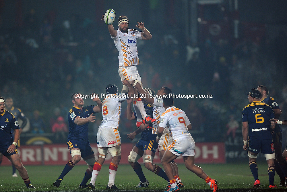 Michael Fitzgerald of the Chiefs receives a lineout, during the Super Rugby Match between the Highlanders and the Chiefs, held at Rugby Park, Invercargill, New Zealand, 30th May 2015. Credit: Joe Allison / www.Photosport.co.nz