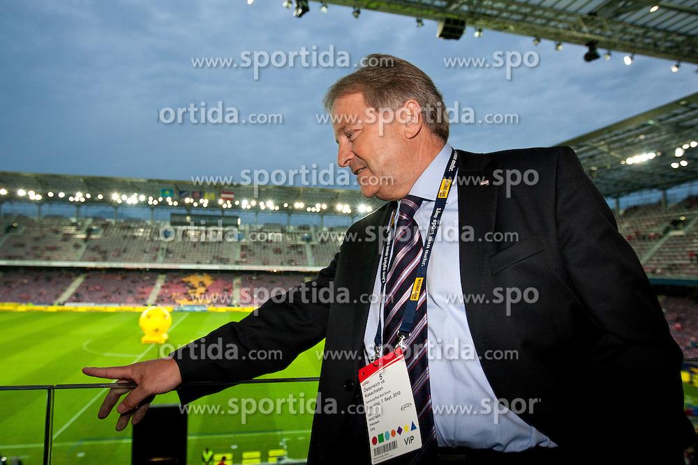 07.09.2010, Red Bull Arena, Salzburg, AUT, UEFA 2012 Qualifier, Austria vs Kazakhstan, im Bild ÖFB Präsident Leo Windtner, EXPA Pictures © 2010, PhotoCredit: EXPA/ G. Groder / SPORTIDA PHOTO AGENCY
