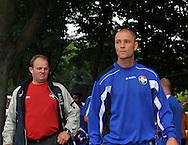 05-07-2008 VOETBAL:TILBURGSE SELECTIE - WILLEM II:TILBURG<br /> Danny Schenkel met achter hem Willem II supporter Hijstek<br /> Foto: Geert van Erven