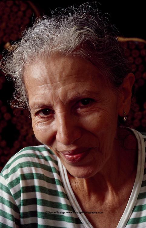 Master Cigar maker, Gloria Cubano, Honduras