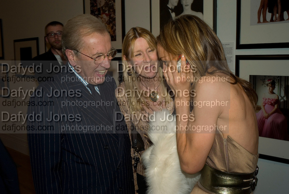 SIR DAVID, LADY CARINA FROST AND TARA PALMER TOMPKINSON, Vanity Fair Portraits: Photographs 1913-2008. Hosted by Burberry and Vanity Fair. National Portrait Gallery. London. 9 February 2008.  *** Local Caption *** -DO NOT ARCHIVE-© Copyright Photograph by Dafydd Jones. 248 Clapham Rd. London SW9 0PZ. Tel 0207 820 0771. www.dafjones.com.