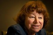Catherine Cesarsky, Licenciada en Física de la Universidad de Buenos Aires, Doctora en Astronomía por la Universidad de Harvard. Trabajó en el Instituto de Tecnología de California, luego se mudó a Francia y se unió a la Comisión Francesa de Energías Alternativas y Energía Atómica (CEA). De 1985 a 1993 fue la Directora de Astrofísica y de 1994 a 1999 la Directora de investigación básica de la CEA en física y química. De 1999 a 2007, fue Directora General del Observatorio Europeo Austral (ESO); supervisó la operación de los grandes telescopios ópticos de ESO en los observatorios La Silla y Paranal en el norte de Chile, y la construcción del Atacama Large Millimeter Array (ALMA) y de telescopios para radioastronomía de onda milimétrica en Cerro Chajnantor. Fue la responsable de lanzar el proyecto europeo Extremely Large Telescope. Hoy en día es Asesora Científica de Alto Nivel en el CEA. Sus investigaciones abarcan varias áreas de la astrofísica moderna, desde el dominio de alta energía hasta el infrarrojo y radio. Ejemplos de su investigación incluyen los estudios de la propagación y composición de los rayos cósmicos galácticos, de la materia y los campos en el medio interestelar difuso, la aceleración de partículas en las supernovas y la emisión infrarroja de una variedad de fuentes galácticas y extragalácticas, lo que conduce a nuevos y emocionantes resultados sobre la formación estelar y la evolución galáctica. Santiago de Chile 18-01-2019 (©Alvaro de la Fuente)