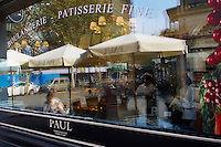 "Chine, Shanghai, quartier de Xintiandi, ancienne concession francaise, bpulangerie francaise ""Chez Paul"" //  China, Shanghai, Xintiandi neighbourhood, French Concession, french bakery ""Chez Paul"""