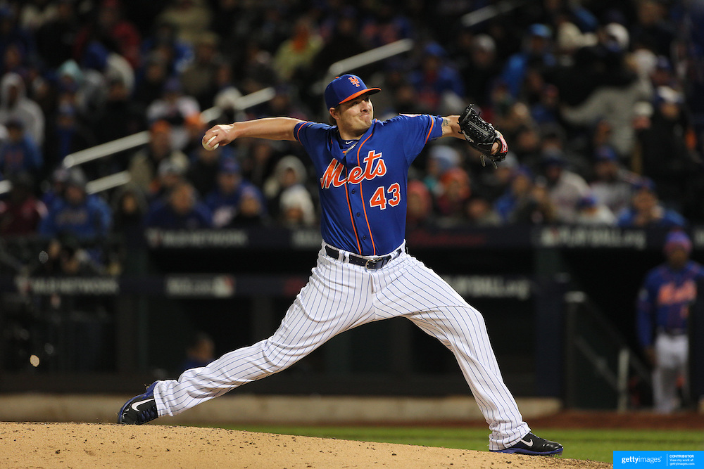 Pitcher Addison Reed, New York Mets, pitching during the MLB NLCS Playoffs game two, Chicago Cubs vs New York Mets at Citi Field, Queens, New York. USA. 18th October 2015. Photo Tim Clayton