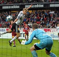 Fotball tippeligaen 26.07.09 Rosenborg ( RBK ) -  Lillestrøm,<br /> Steffen Iversen og Otto Fredrikson,<br /> Foto: Carl-Erik Eriksson, Digitalsport