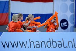 02-12-2012 HANDBAL: SLOVENIE - ISRAEL: APELDOORN .WK Kwalificatie toernooi WK 2013 Omnisportcentrum Apeldoorn / Support Dutch Oranje .©2012-FotoHoogendoorn.nl. (Photo by Ronald Hoogendoorn / Sportida)