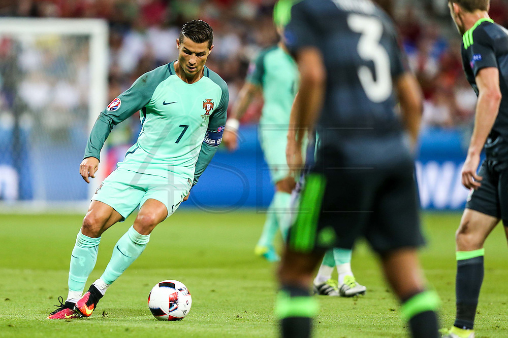LYON, FRANCE, 07.06.2016 - PORTUGAL- WALES - Striker Cristiano Ronaldo (7), in a match against Wales, valid for the semi-finals of Euro 2016 at the Grand Stade de Decines-Charpieu near Lyon, France, Wednesday (6).