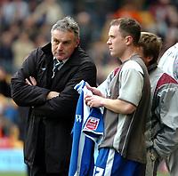 Photo: Ed Godden.<br />Wolverhampton Wanderers v Cardiff City. Coca Cola Championship. 11/03/2006. <br />Cardiff Manager, Dave Jones (L).