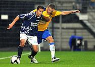 22-08-2008: Voetbal: RKC WAALWIJK:GO AHEAD EAGLES:WAALWIJK <br /> Hans Mulder verdedigt Achmed Ahahaoui<br /> Foto: Geert van Erven