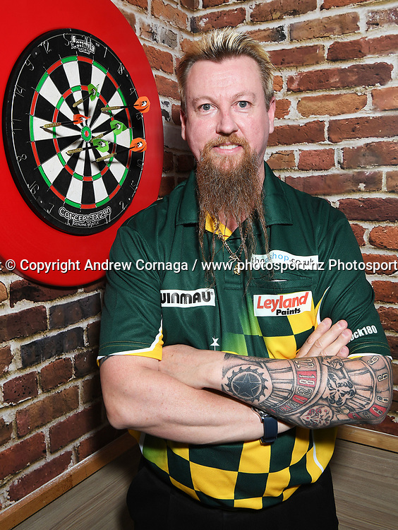 Australia's Simon Whitlock aka &quot; The Wizard &quot;<br /> Auckland Darts Masters press conference and draw. Professional Darts Corporation (PDC). Burger King, Auckland, New Zealand. Thursday 10 August 2017. &copy; Copyright photo: Andrew Cornaga / www.photosport.nz